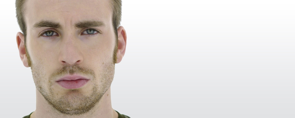 Juan Amador - Actor de doblaje | Chris Evans - Mace